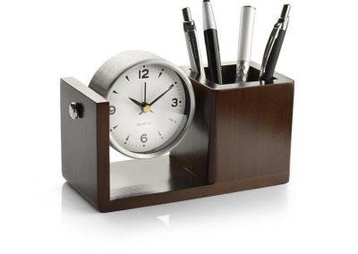 Pieštukinė stalo laikrodis.