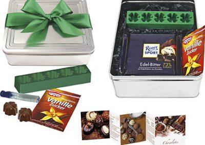 """Šokoladinių trufelių dovanų rinkinys """"Pasigamink pats"""". Į rinkinį įeina: vanilinis cukrus, šokoladas, romo sirupas, formelės. Nuo 250 vnt ir receptų knygelė"""