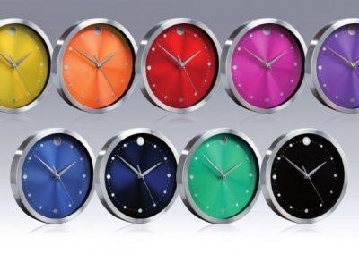 Metalinis laikrodis. Išmatavimai: 258x258x45 mm. Aliuminis, stiklas.
