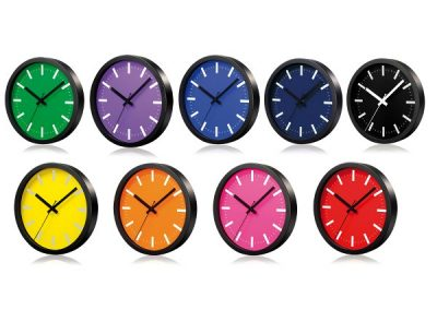 Sant laikrodis. Išmatavimai: 258x258x45 mm. Stiklas, aliuminis.